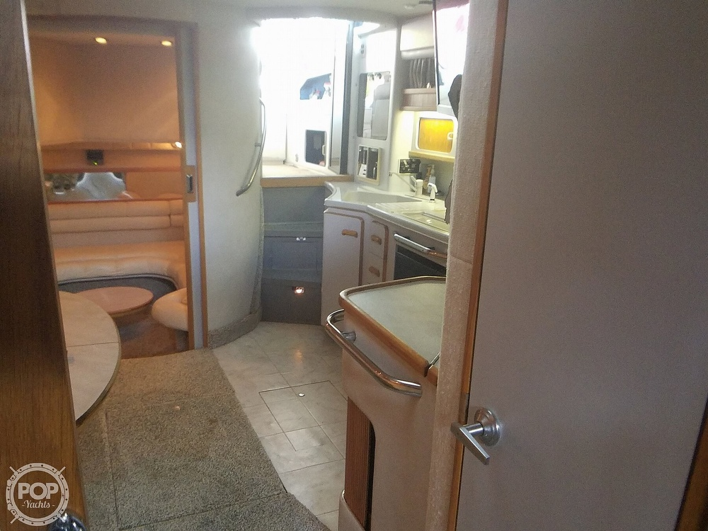 1991 Sea Ray boat for sale, model of the boat is Sundancer 440 & Image # 20 of 40