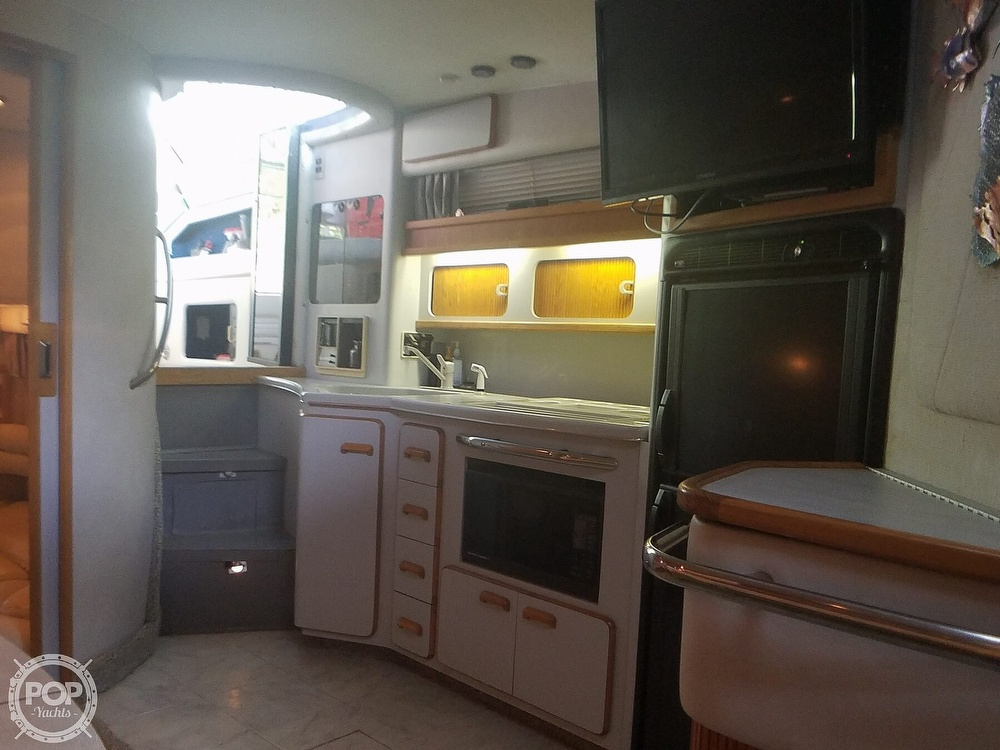 1991 Sea Ray boat for sale, model of the boat is Sundancer 440 & Image # 24 of 40