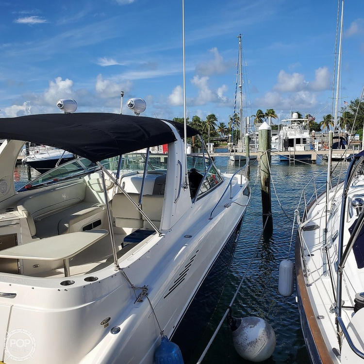 2008 Bayliner boat for sale, model of the boat is 340 Express Cruiser & Image # 3 of 41