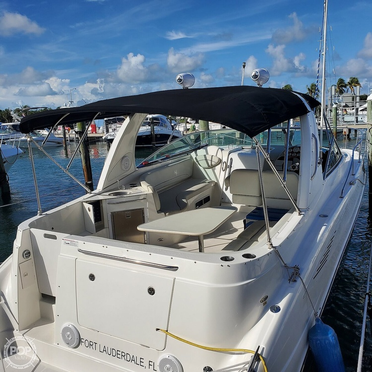 2008 Bayliner boat for sale, model of the boat is 340 Express Cruiser & Image # 4 of 41