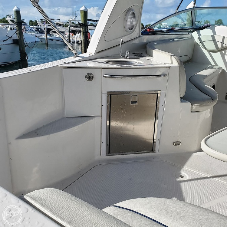 2008 Bayliner boat for sale, model of the boat is 340 Express Cruiser & Image # 6 of 41
