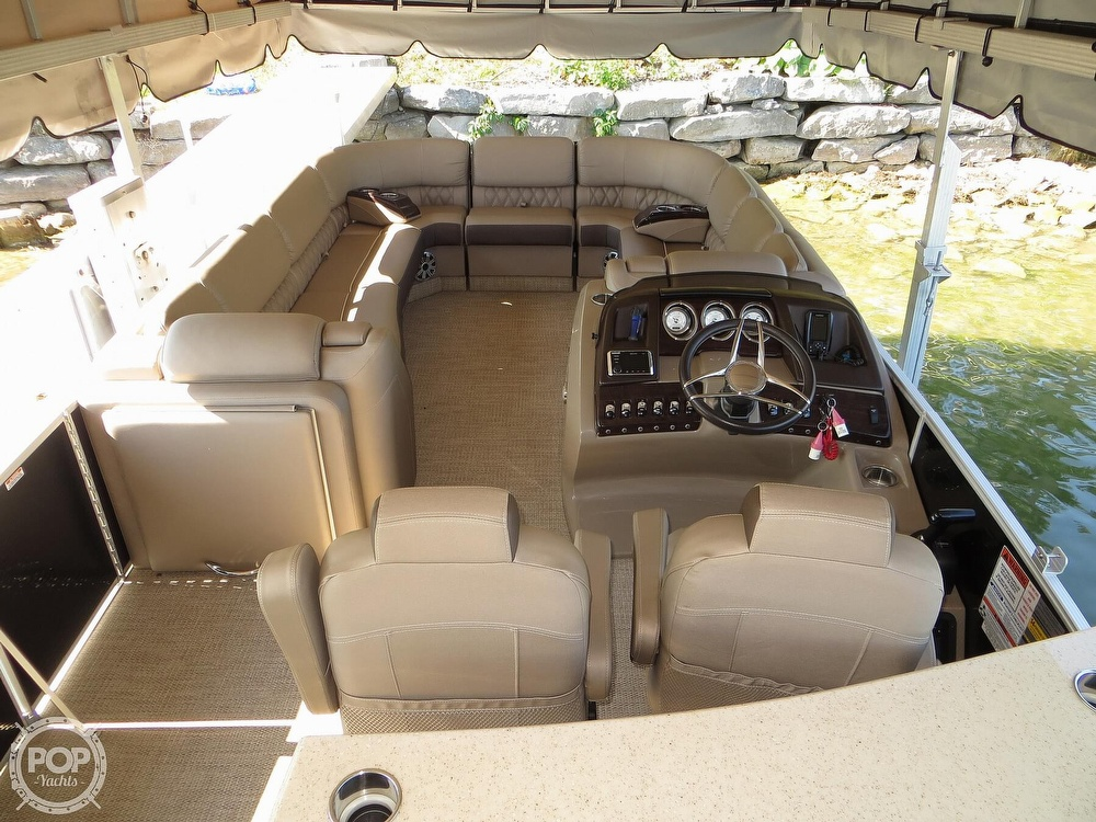 2018 Bennington boat for sale, model of the boat is 25 RSD & Image # 3 of 40