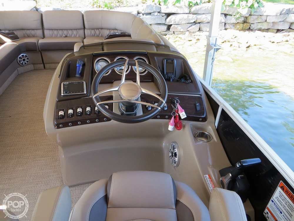 2018 Bennington boat for sale, model of the boat is 25 RSD & Image # 6 of 40