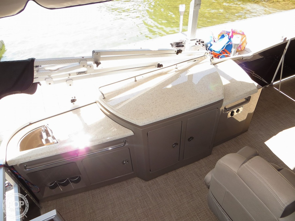 2018 Bennington boat for sale, model of the boat is 25 RSD & Image # 9 of 40