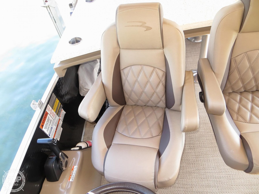 2018 Bennington boat for sale, model of the boat is 25 RSD & Image # 20 of 40