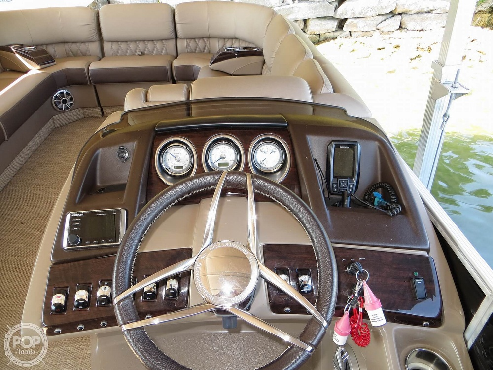 2018 Bennington boat for sale, model of the boat is 25 RSD & Image # 22 of 40