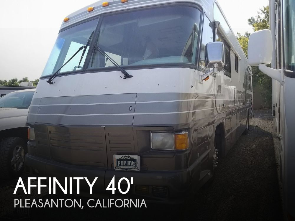 1991 Country Coach Affinity Medallion 40