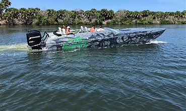 2004 Awesome boat for sale, model of the boat is 31 Cat & Image # 1 of 2