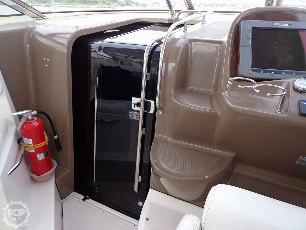 2006 Regal boat for sale, model of the boat is 3560 Commodore & Image # 6 of 40