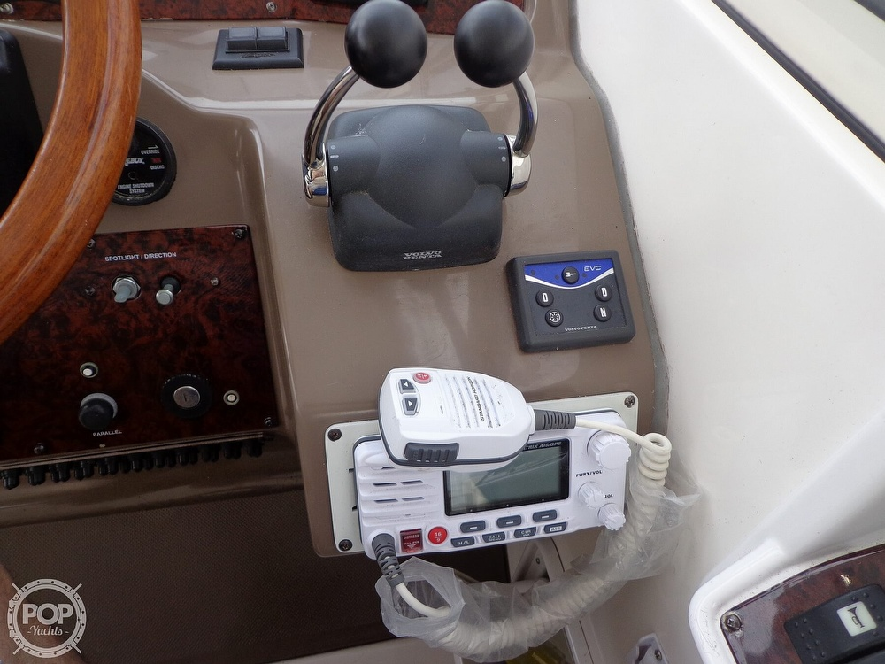 2006 Regal boat for sale, model of the boat is 3560 Commodore & Image # 29 of 40