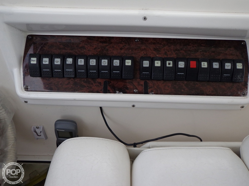 2006 Regal boat for sale, model of the boat is 3560 Commodore & Image # 32 of 40