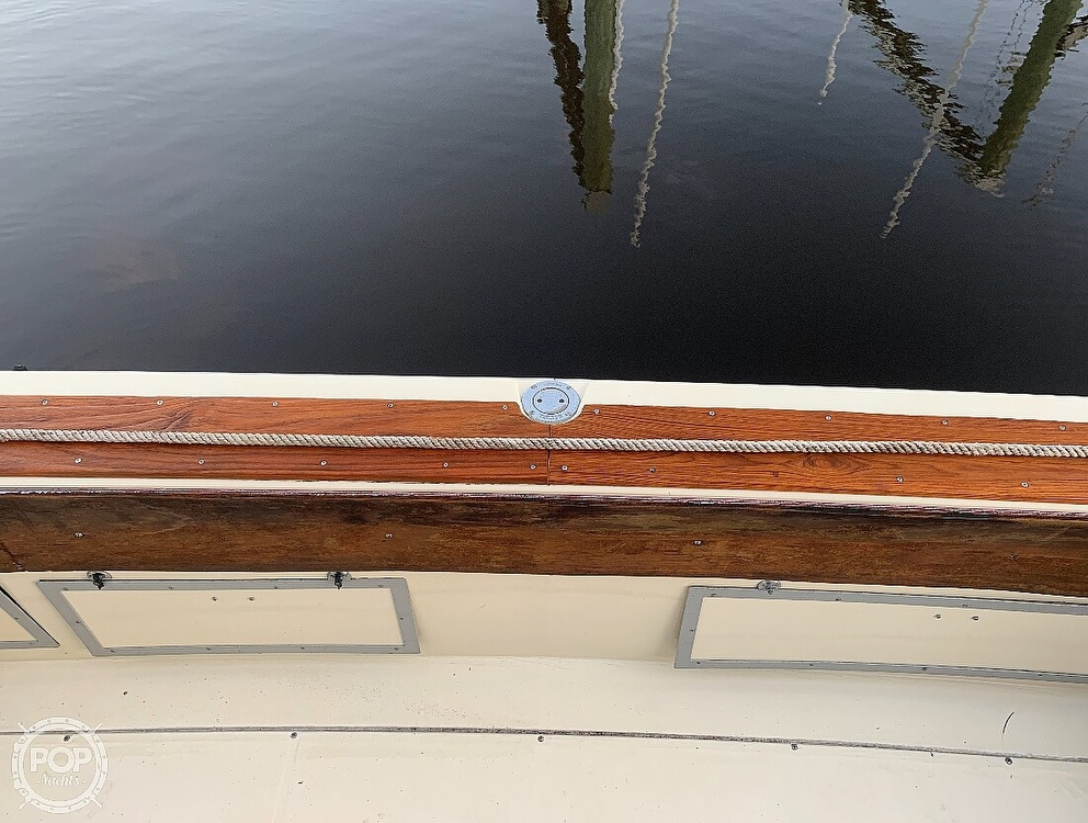 1982 Trojan boat for sale, model of the boat is 10 Meter International Sedan Flybridge & Image # 18 of 40