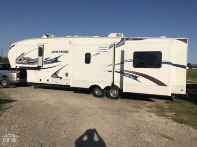 2011 Avalanche 330 RE - #1