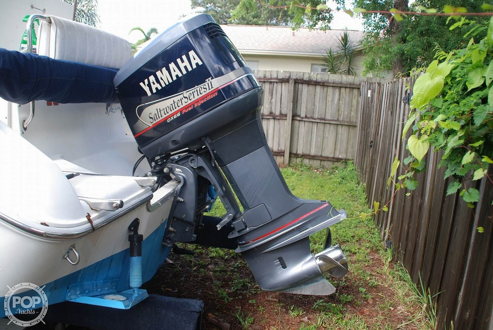 1996 Sea Ray boat for sale, model of the boat is Laguna 24 Flush Deck Cuddy & Image # 25 of 40