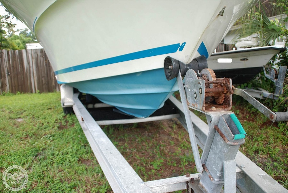 1996 Sea Ray boat for sale, model of the boat is Laguna 24 Flush Deck Cuddy & Image # 36 of 40