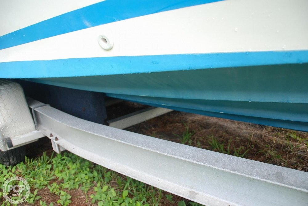 1996 Sea Ray boat for sale, model of the boat is Laguna 24 Flush Deck Cuddy & Image # 32 of 40