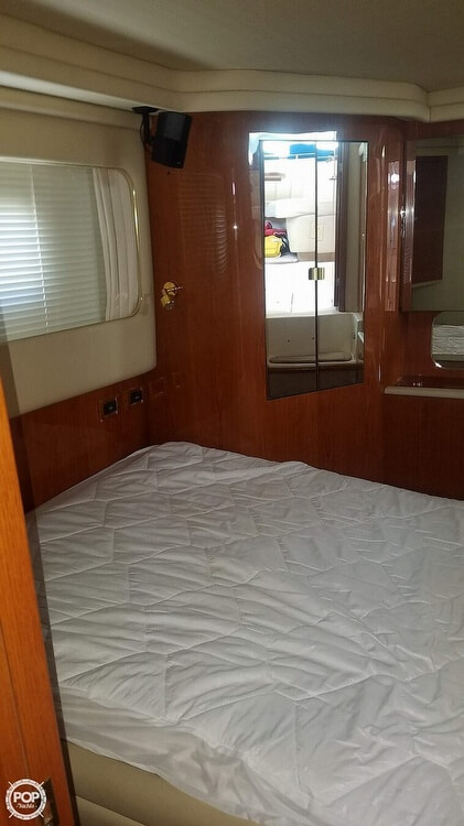 2000 Sea Ray boat for sale, model of the boat is 420 Aft Cabin & Image # 4 of 40