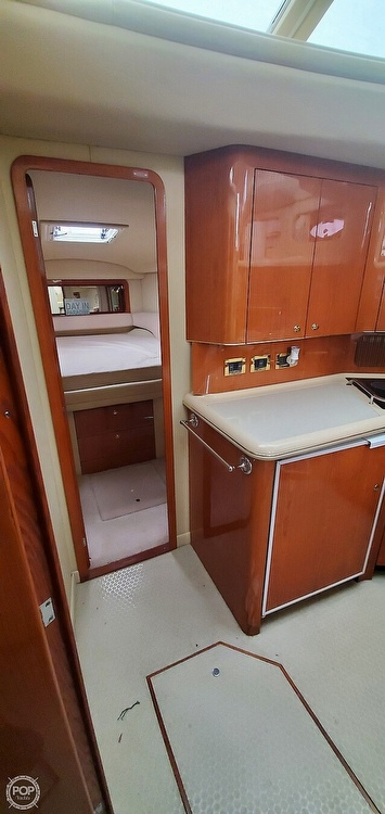 2000 Sea Ray boat for sale, model of the boat is 420 Aft Cabin & Image # 24 of 40