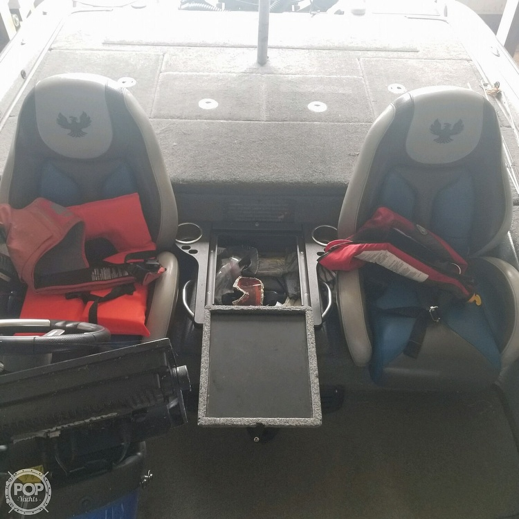2017 Phoenix boat for sale, model of the boat is 920 Pro XP & Image # 26 of 35