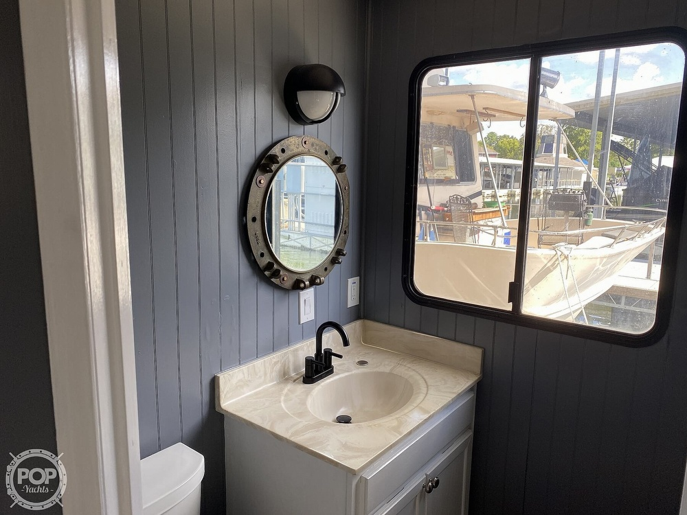 1996 Sumerset Houseboats boat for sale, model of the boat is 60 Foot Houseboat & Image # 38 of 40
