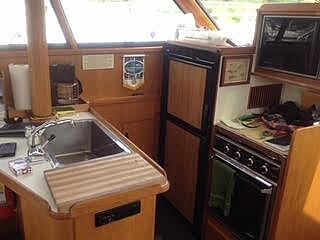 1987 President boat for sale, model of the boat is Sedan 37 & Image # 6 of 11