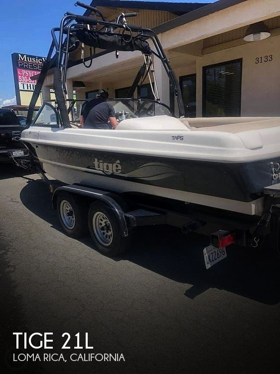 2000 Tige boat for sale, model of the boat is 21L & Image # 1 of 24