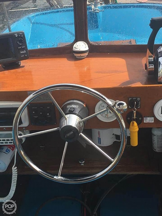 1964 Boston Whaler boat for sale, model of the boat is 16 Sakonet & Image # 7 of 19