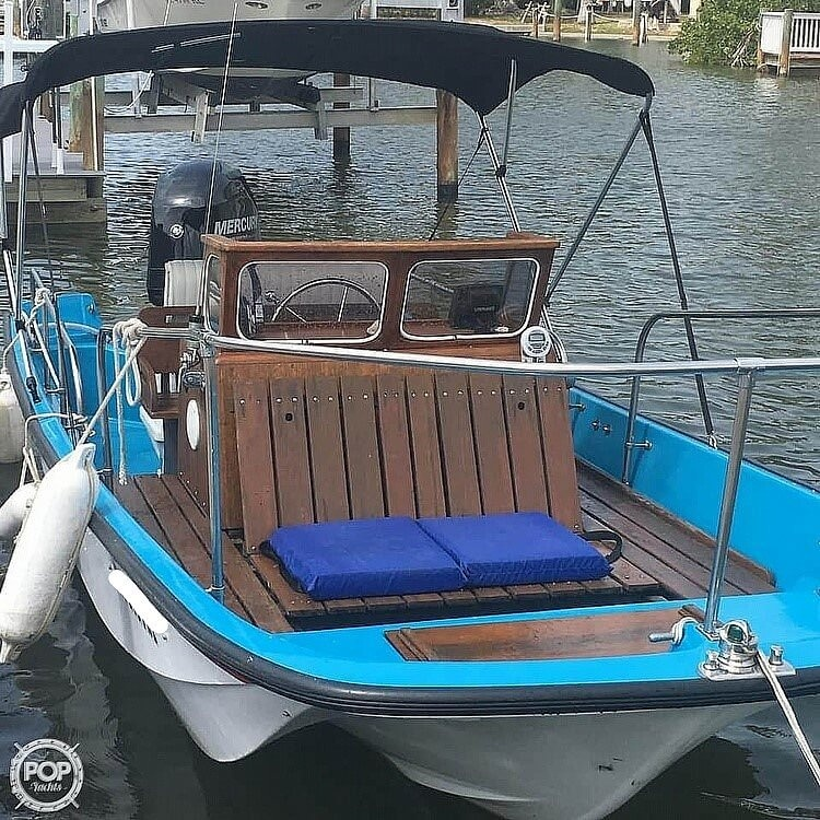 1964 Boston Whaler boat for sale, model of the boat is 16 Sakonet & Image # 3 of 19