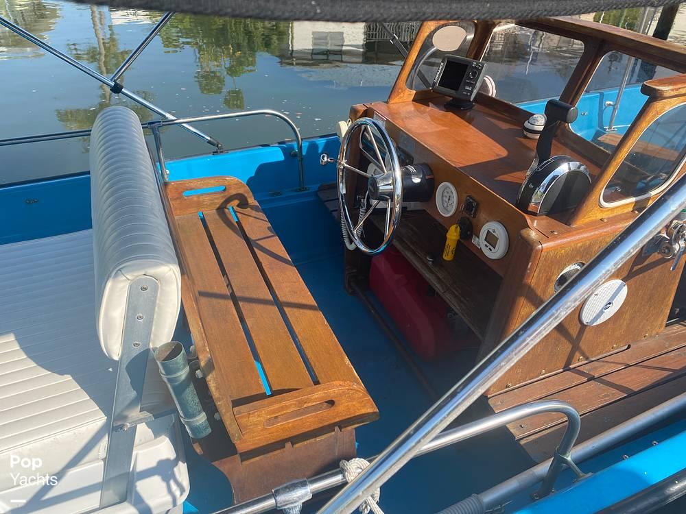 1964 Boston Whaler boat for sale, model of the boat is 16 Sakonet & Image # 3 of 31