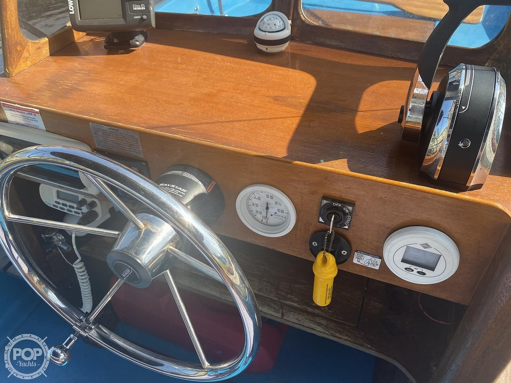 1964 Boston Whaler boat for sale, model of the boat is 16 Sakonet & Image # 17 of 31