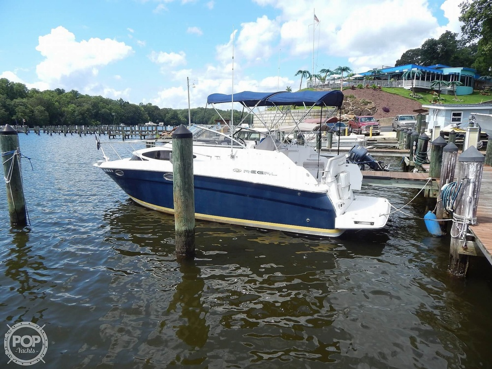 2008 Regal boat for sale, model of the boat is 2565 Window Express & Image # 2 of 40