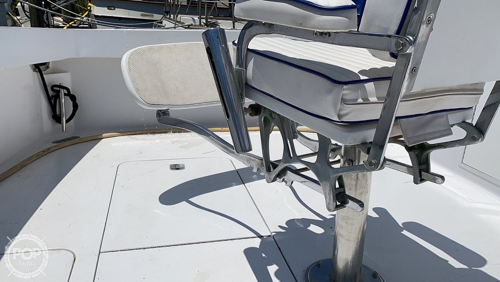 1995 Viking boat for sale, model of the boat is 43 Sportfish & Image # 17 of 40