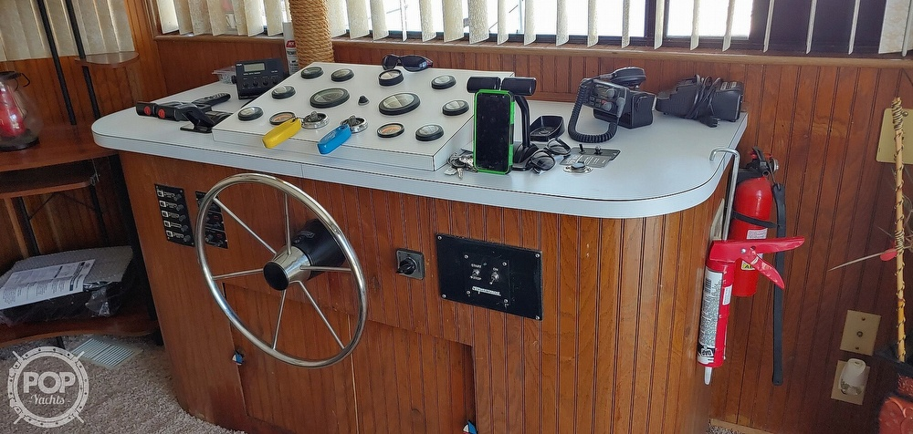1992 Riverchase Cruisers Inc boat for sale, model of the boat is 14 x 66 & Image # 3 of 40