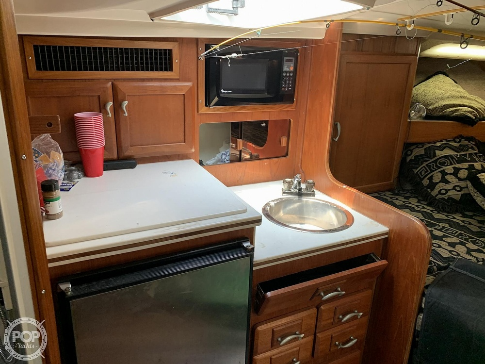 1995 Luhrs boat for sale, model of the boat is Tournament 320 Open & Image # 8 of 40