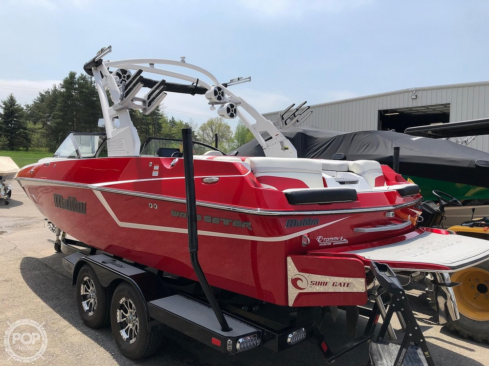 2017 Malibu boat for sale, model of the boat is WAKESETTER 22 MXZ & Image # 4 of 19