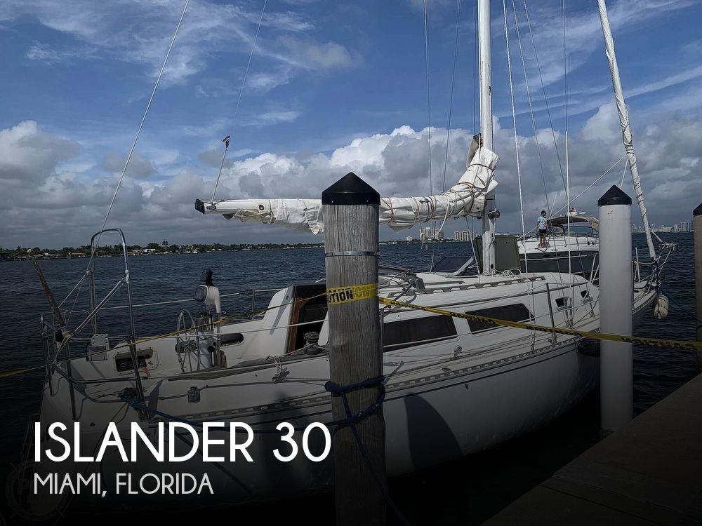 1985 Islander boat for sale, model of the boat is Islander 30 Mark II & Image # 1 of 40