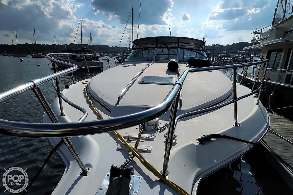 1997 Sea Ray boat for sale, model of the boat is 400 Express Cruiser & Image # 6 of 40