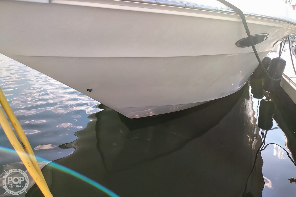 1997 Sea Ray boat for sale, model of the boat is 400 Express Cruiser & Image # 17 of 40