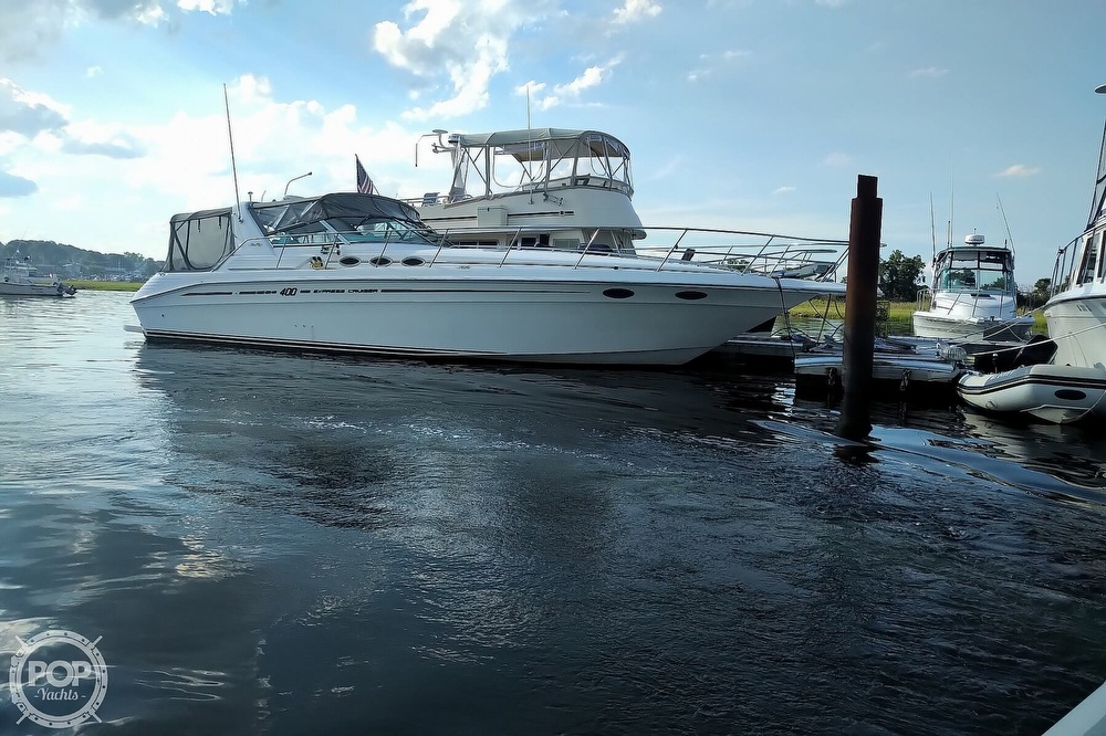 1997 Sea Ray boat for sale, model of the boat is 400 Express Cruiser & Image # 23 of 40