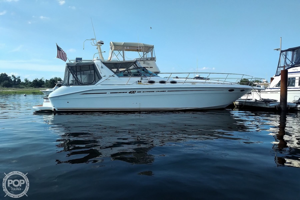 1997 Sea Ray boat for sale, model of the boat is 400 Express Cruiser & Image # 26 of 40