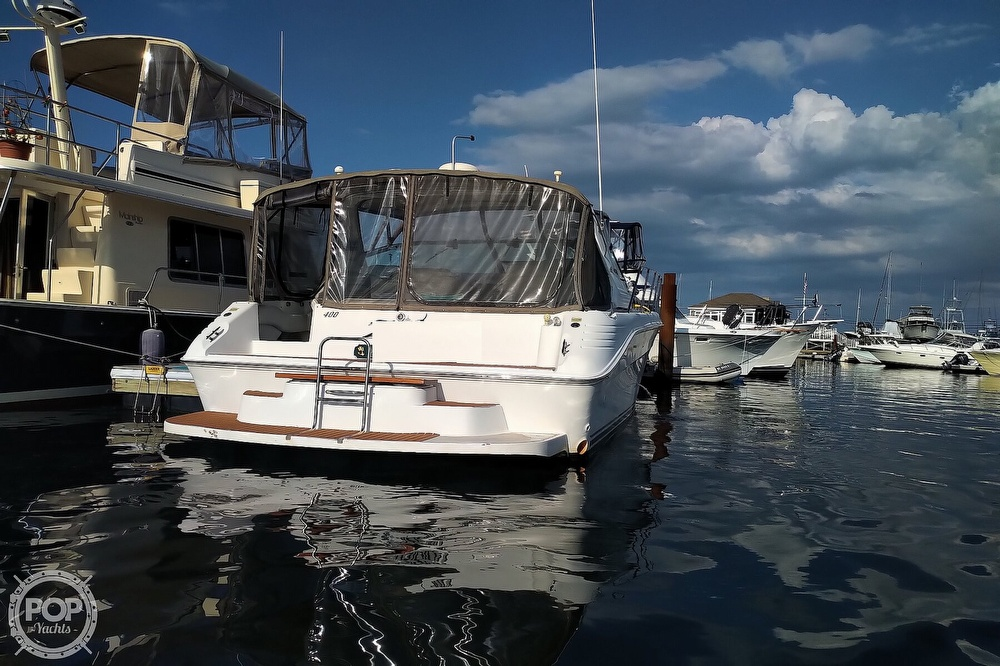 1997 Sea Ray boat for sale, model of the boat is 400 Express Cruiser & Image # 32 of 40