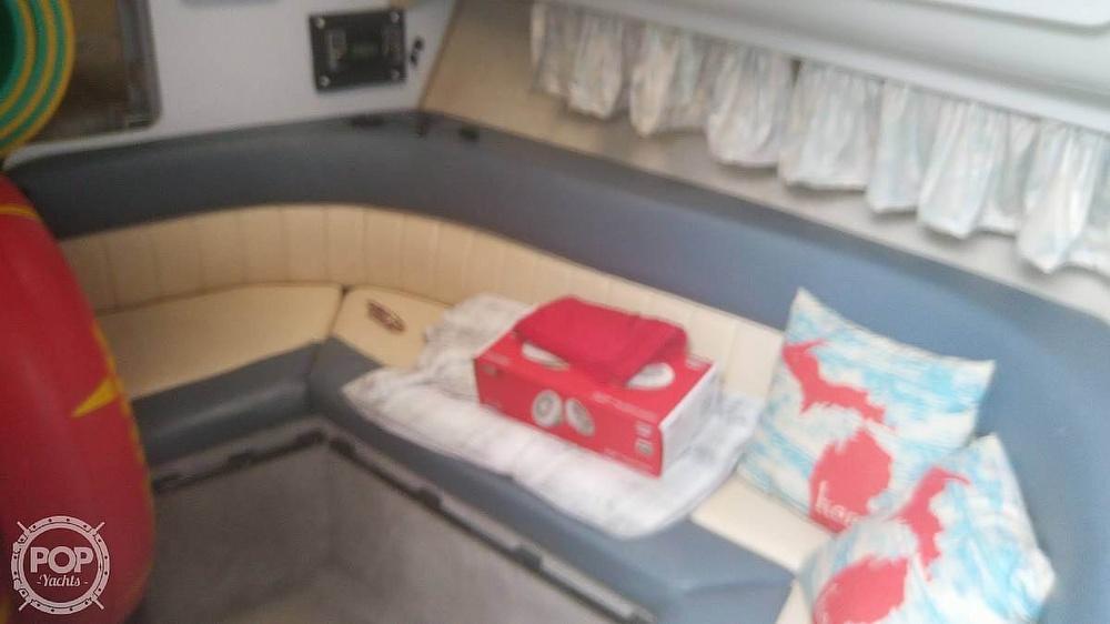 1992 Rinker boat for sale, model of the boat is Fiesta Vee 300 & Image # 5 of 40