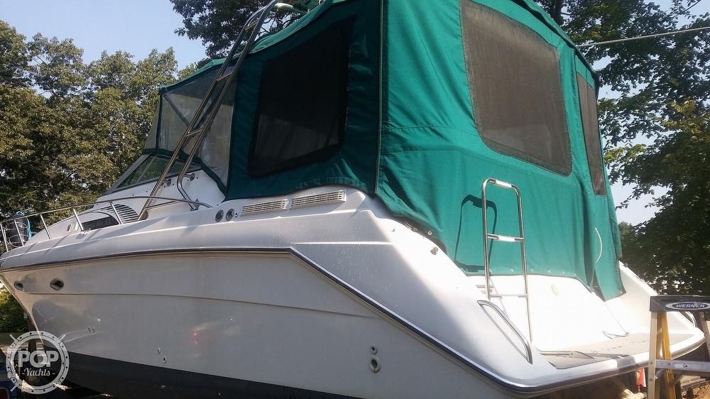 1992 Rinker boat for sale, model of the boat is Fiesta Vee 300 & Image # 7 of 40