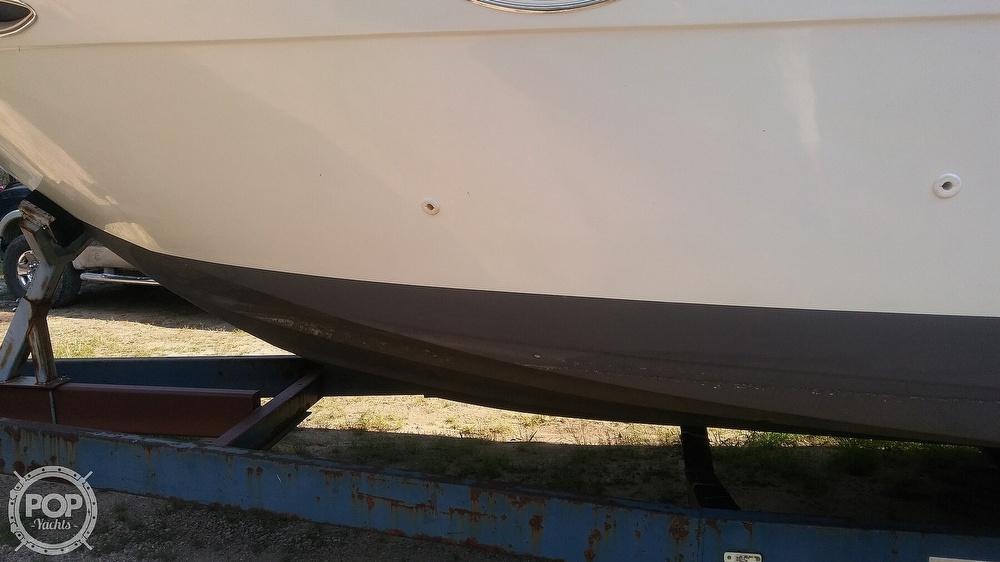 1992 Rinker boat for sale, model of the boat is Fiesta Vee 300 & Image # 24 of 40