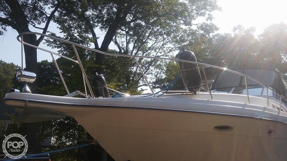 1992 Rinker boat for sale, model of the boat is Fiesta Vee 300 & Image # 27 of 40