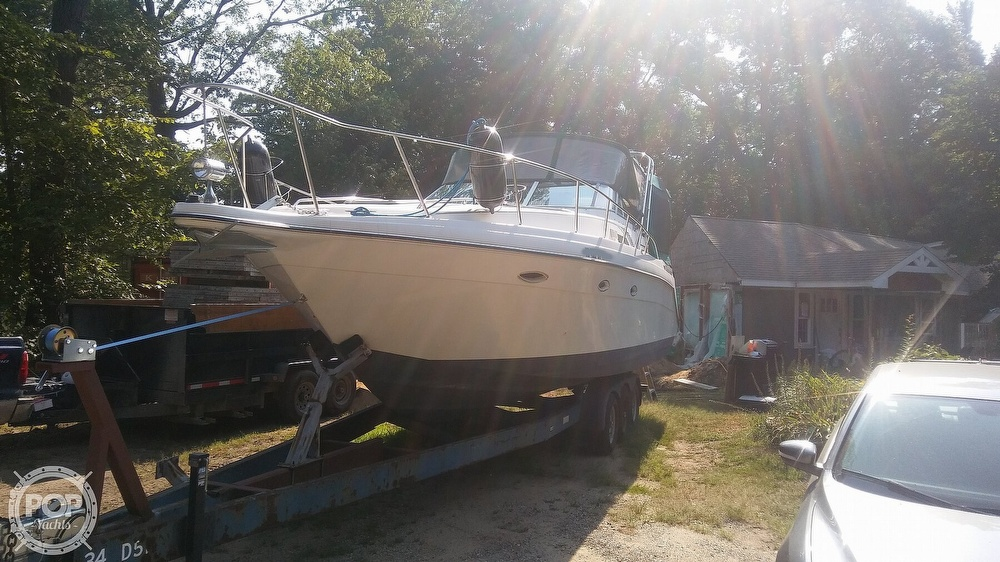 1992 Rinker boat for sale, model of the boat is Fiesta Vee 300 & Image # 28 of 40
