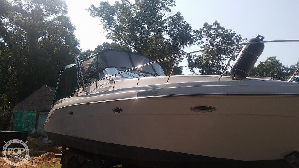 1992 Rinker boat for sale, model of the boat is Fiesta Vee 300 & Image # 32 of 40