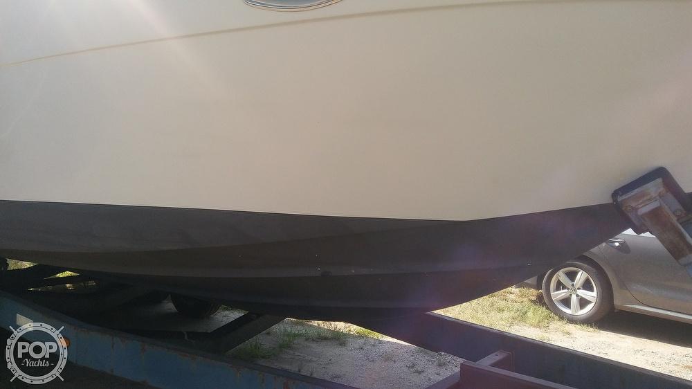 1992 Rinker boat for sale, model of the boat is Fiesta Vee 300 & Image # 33 of 40