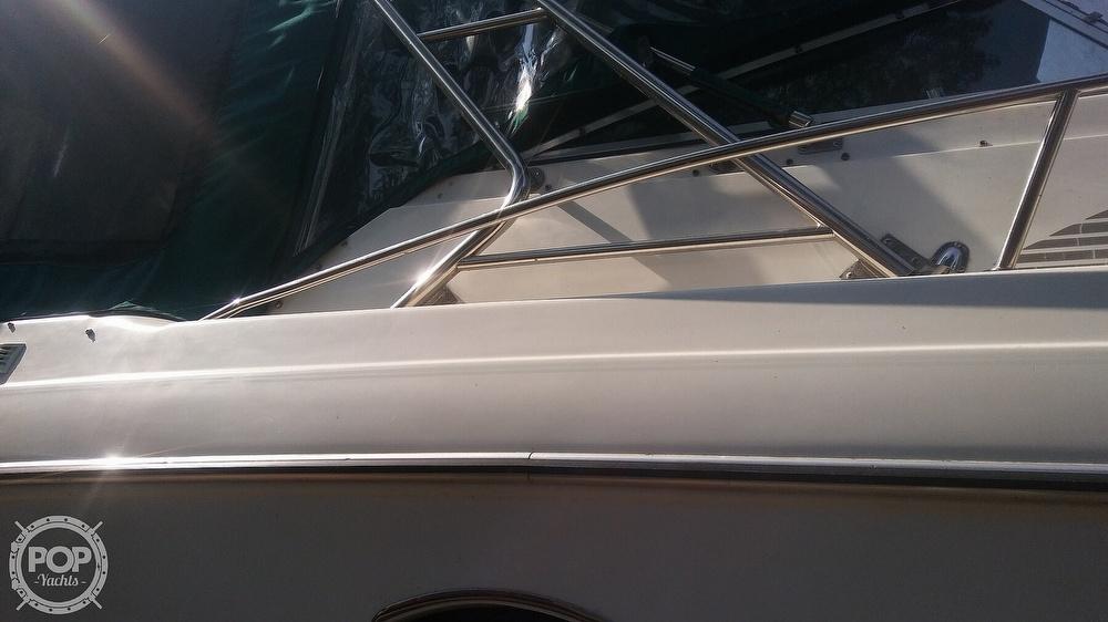 1992 Rinker boat for sale, model of the boat is Fiesta Vee 300 & Image # 39 of 40