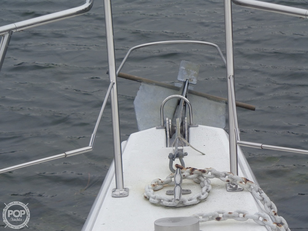 1993 Carver boat for sale, model of the boat is 340 Santego & Image # 37 of 40